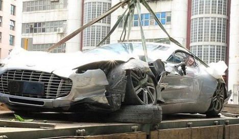 Aston Martin One 77 crash